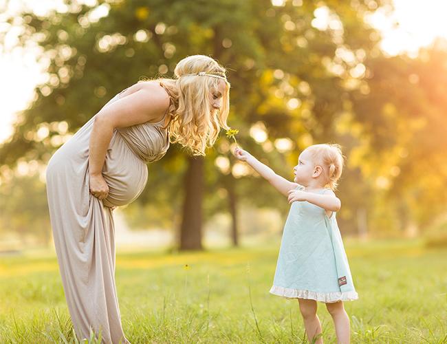 Awaiting a Little Sister Maternity Photos - Baby Blog
