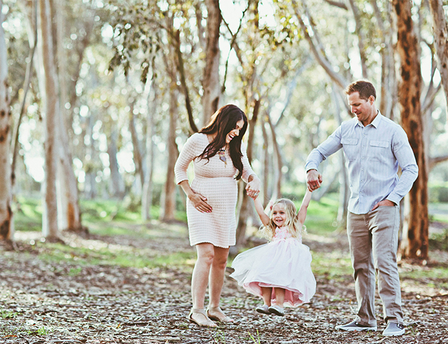 37c3bd3b92dfb Mother Daughter Maternity Photos - Inspired By This
