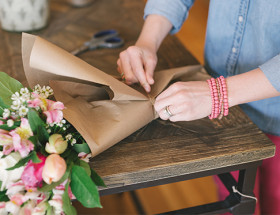 The Perfect Mother's Day Bouquet Tutorial