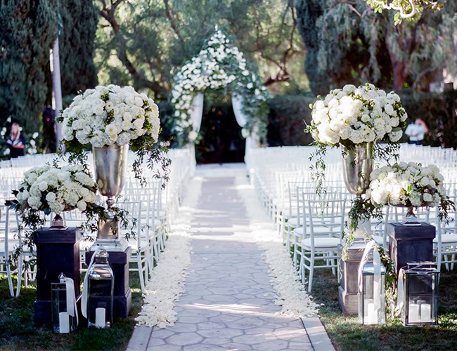16 All White Wedding Ideas Inspired By This