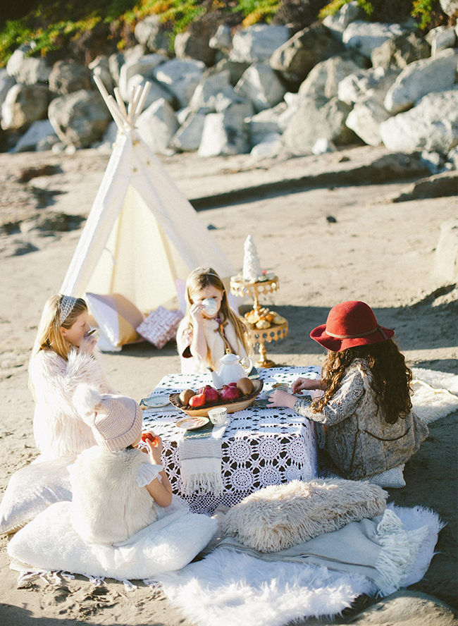 Tropical Christmas Party Ideas.Kids Glittery Beach Christmas Party Inspired By This