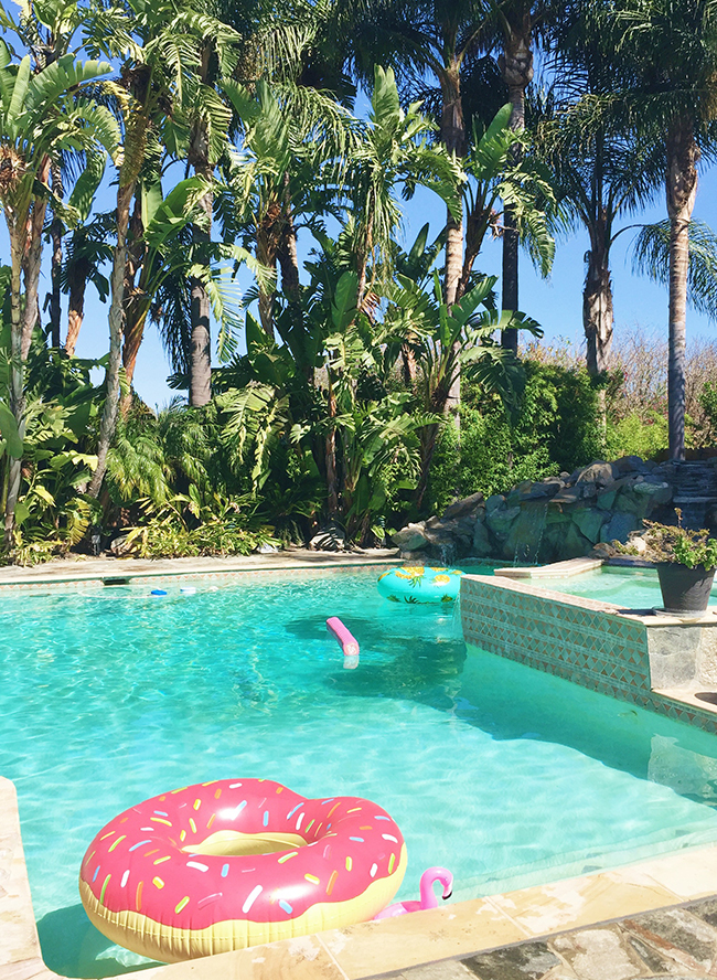 c3aa2fd029 How To Throw The Perfect End of Summer Pool Party - Inspired By This
