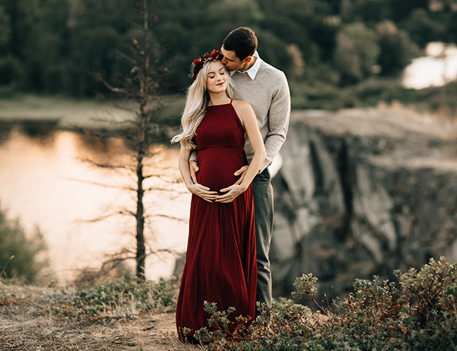 d08ed911d4383 Romantic Red Maternity Photos in Portland - Inspired By This