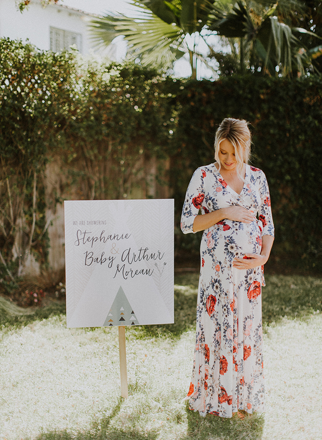 Fashionable Maternity Photos at Home - Inspired by This