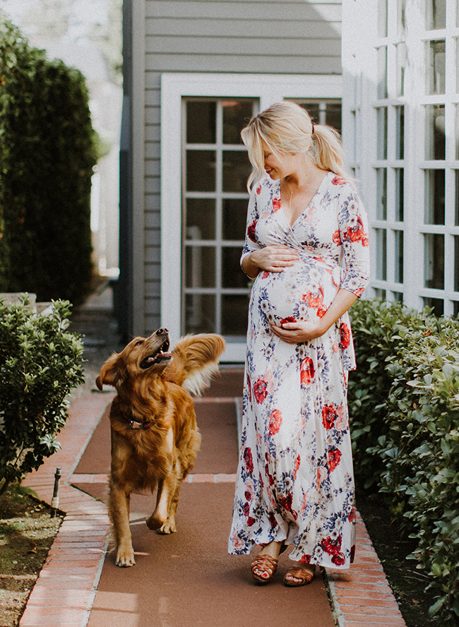 fashionable maternity photos at home inspired by this