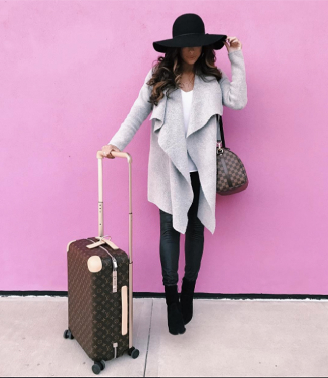 5 Comfortable Winter Travel Outfits - Inspired By This