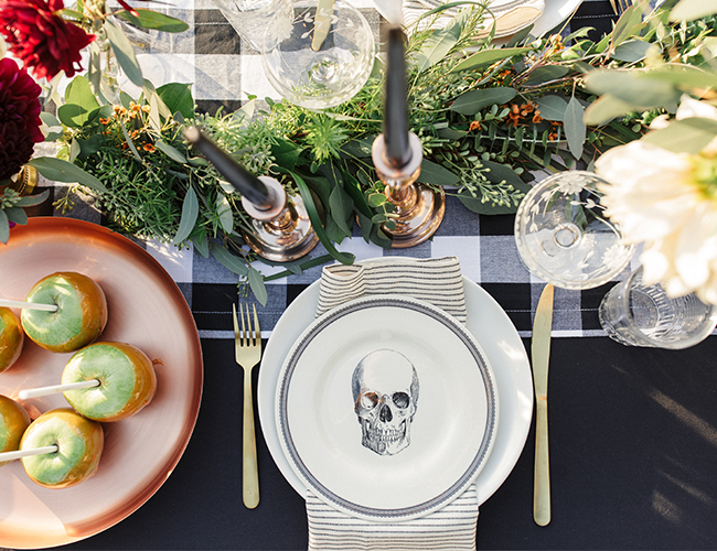 Moody Fall Table