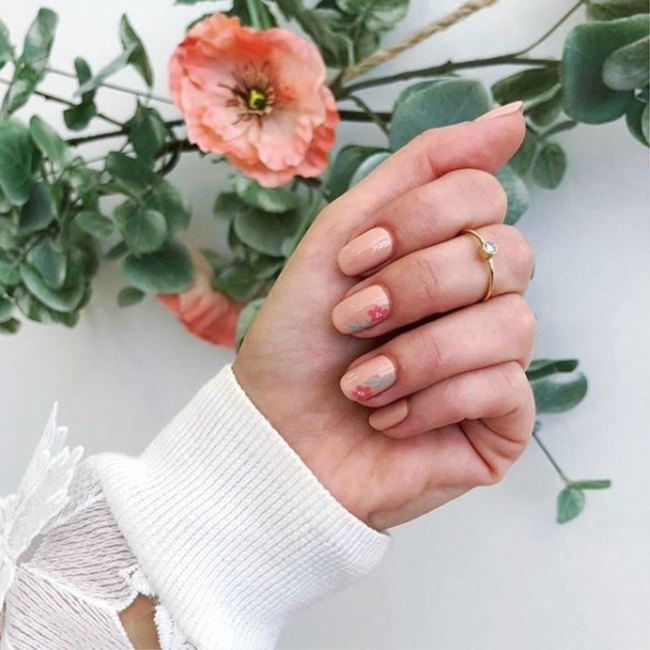 The 32 Best Wedding Party Favors For Every Budget Of 2020: The Best Spring Nail Polish Shades