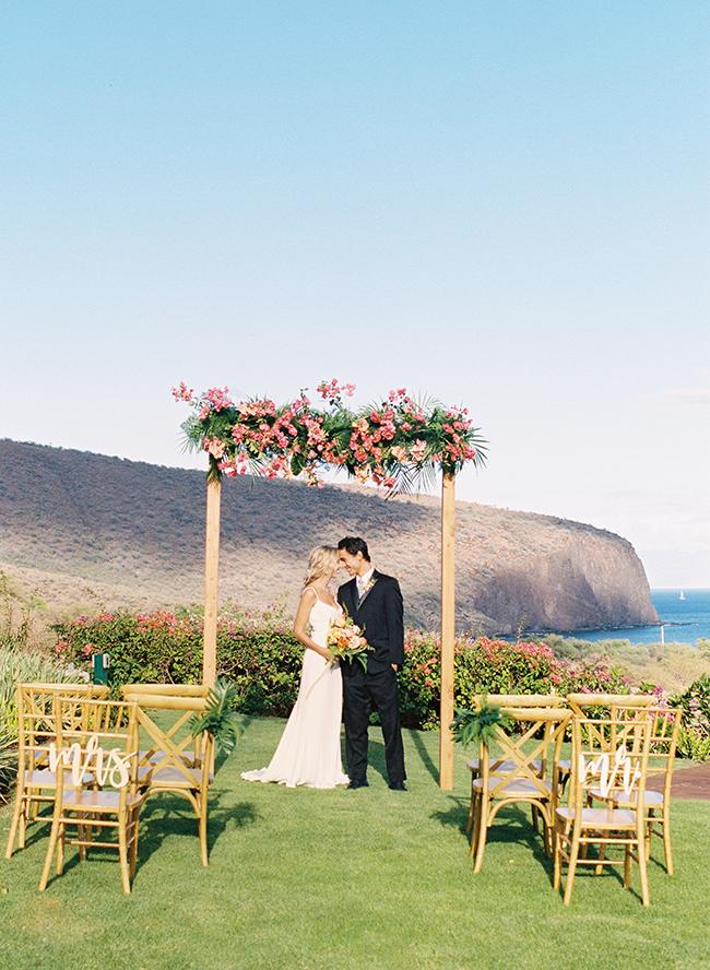 Modern Tropical Wedding Inspiration in Hawaii