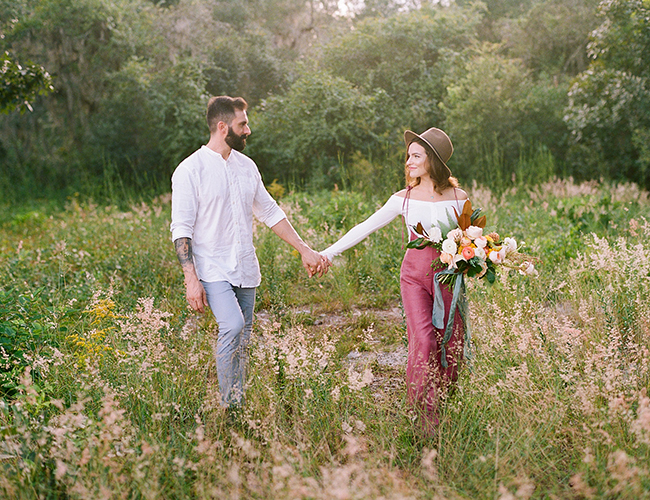 Stylish Autumn Engagement Photos